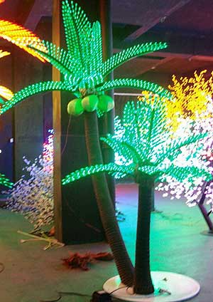 Coconut Palm LED LIGHT KARNAR INTERNATIONAL GROUP LTD
